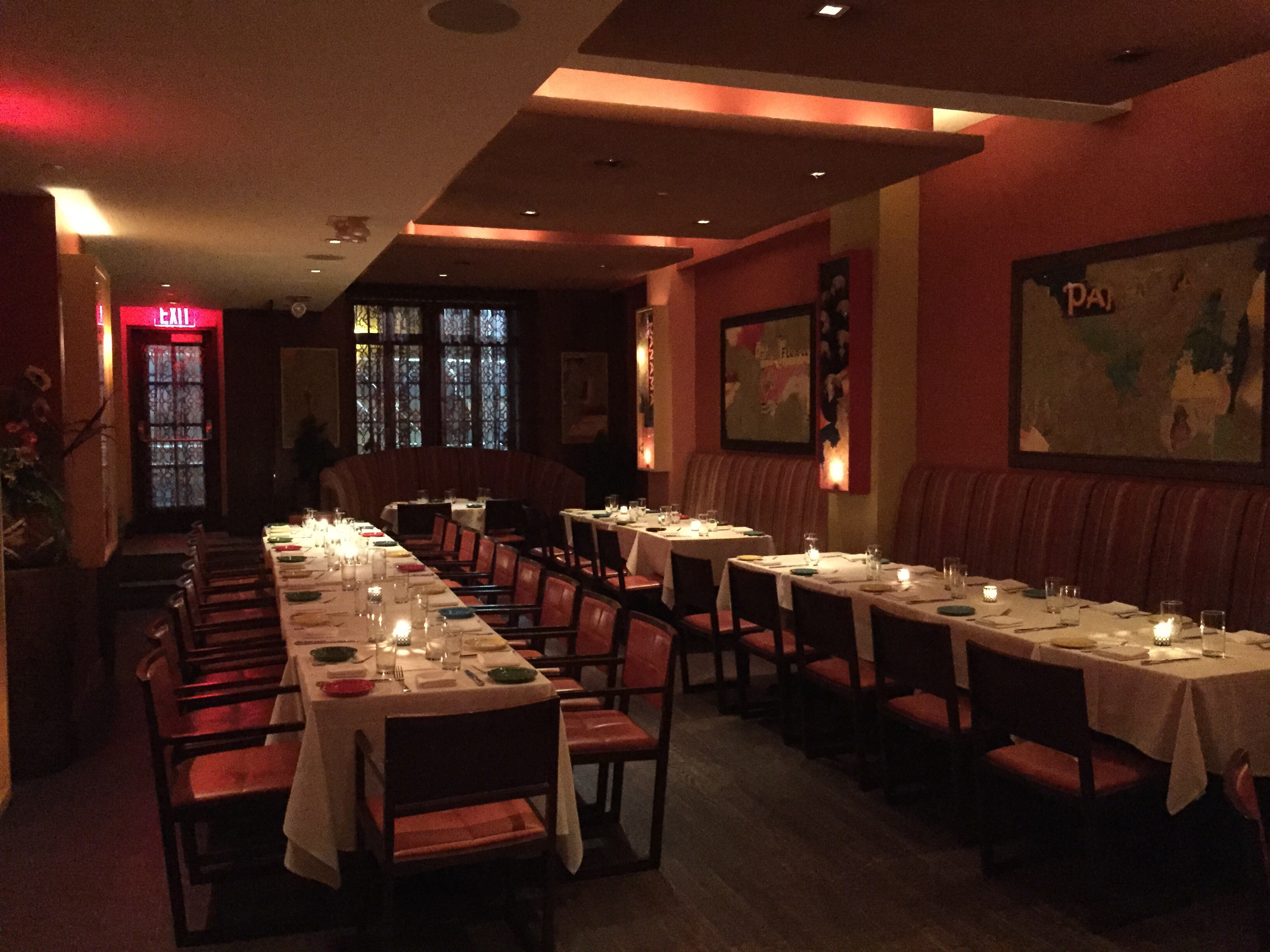Private events calle ocho restaurant for Restaurants with private dining rooms